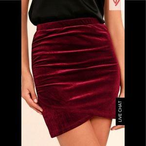 NWT Sz L Lulus Burgundy Velvet Mini Skirt